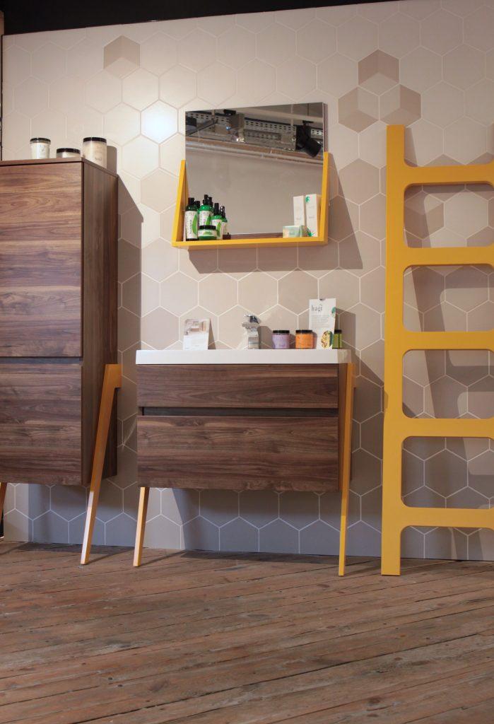 Kolekcja mebli łazienkowych OP-ARTY / projekt: Olga Mężyńska, Milena Wójcik / producent: Deftrans i kosmetyki Hagi
